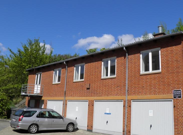 112-28 Garage i Jernbanegade