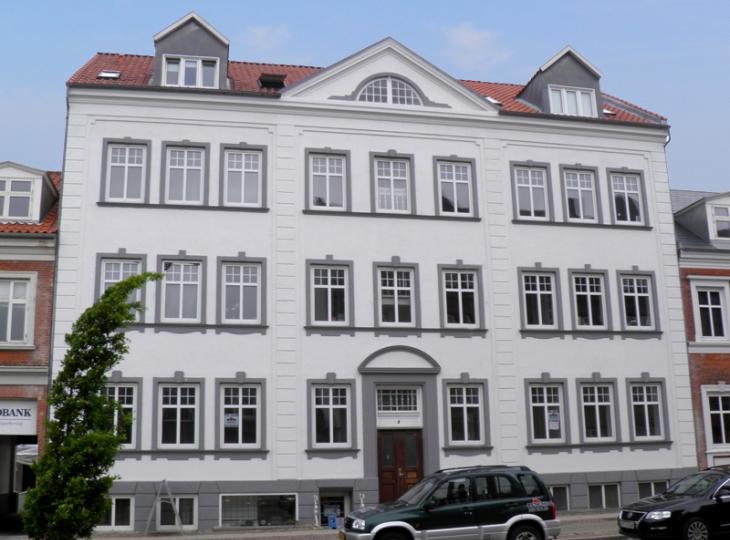 143-1 Jernbanegade 9